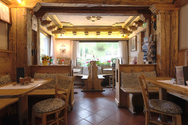 digonera_historic_hotel_dolomiti_bar-e1471275117910
